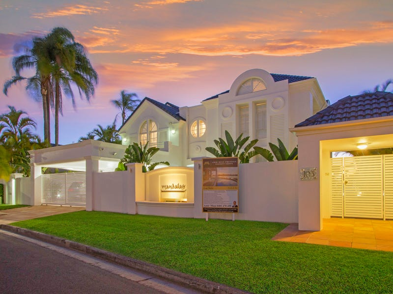 103 Commodore Drive, Paradise Waters, Qld 4217