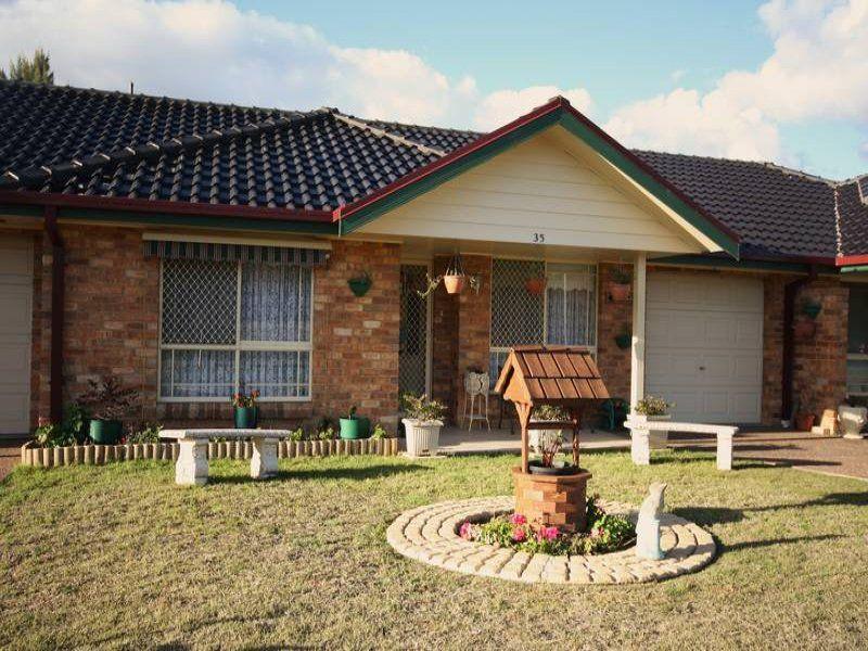 2/35 Henry Drive, Singleton, NSW 2330