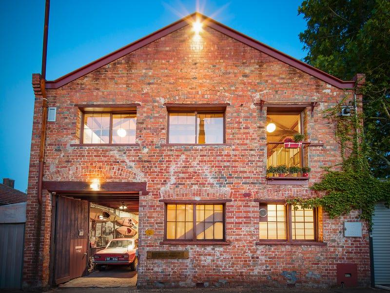 114 Munnering Lane, Carlton North, Vic 3054