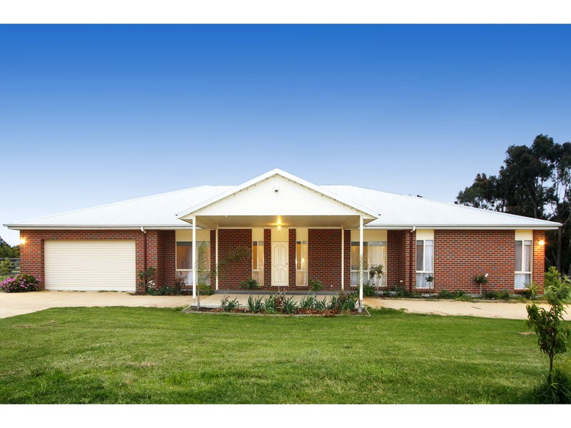 24 Boggy Creek Road, Longford, Vic 3851