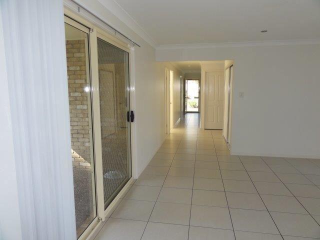16 Outlook Court, Kallangur, Qld 4503