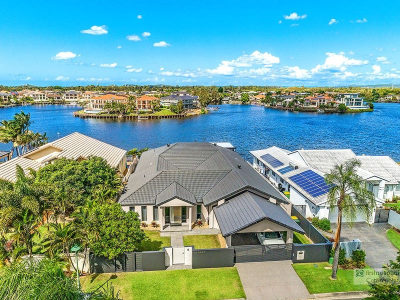 16 Montevideo Drive, Clear Island Waters, Qld 4226