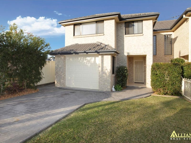 23 Eileen Street, Picnic Point, NSW 2213