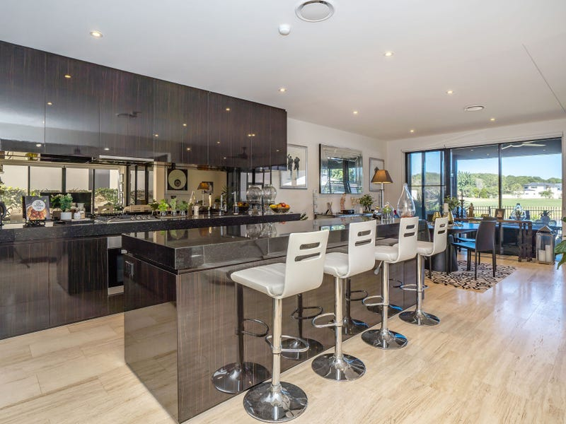 2490 THE PARKWAY, Sanctuary Cove, Qld 4212
