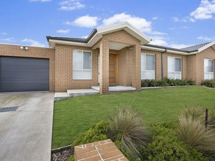 1/16 PHELAN DRIVE, Cranbourne North, Vic 3977