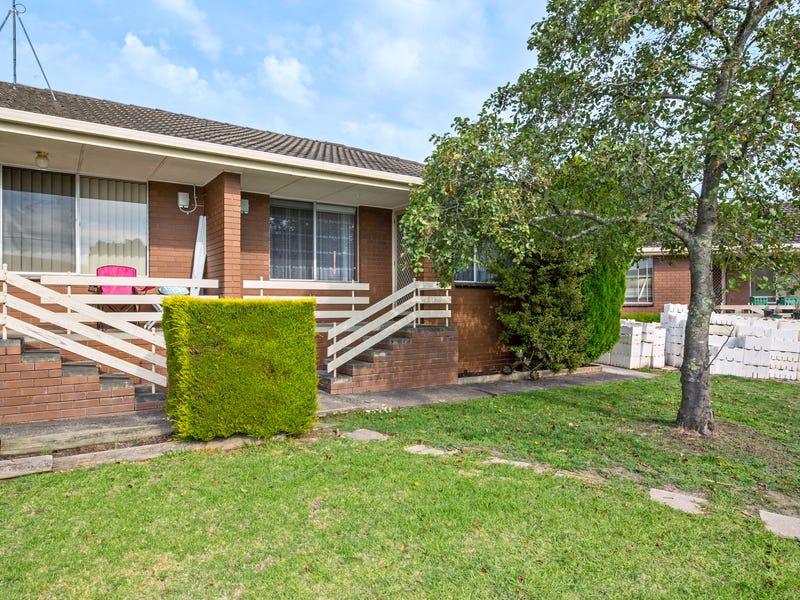 2/8 Aquila Court, Ballarat North, Vic 3350