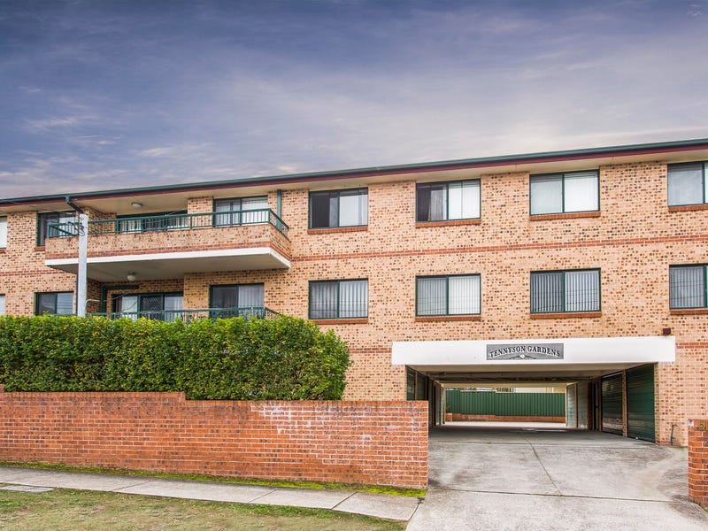 8/61  Tennyson Road, Greenacre, NSW 2190