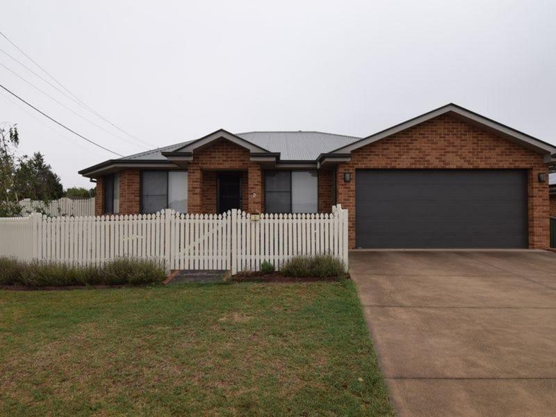 2 Hobson Close, Eglinton, NSW 2795