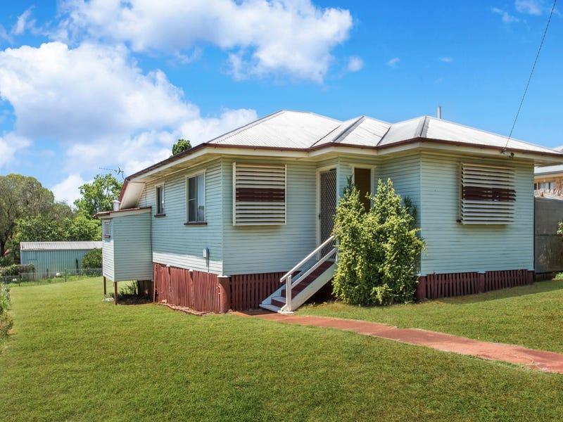 10 Macarthur Street, South Toowoomba, Qld 4350