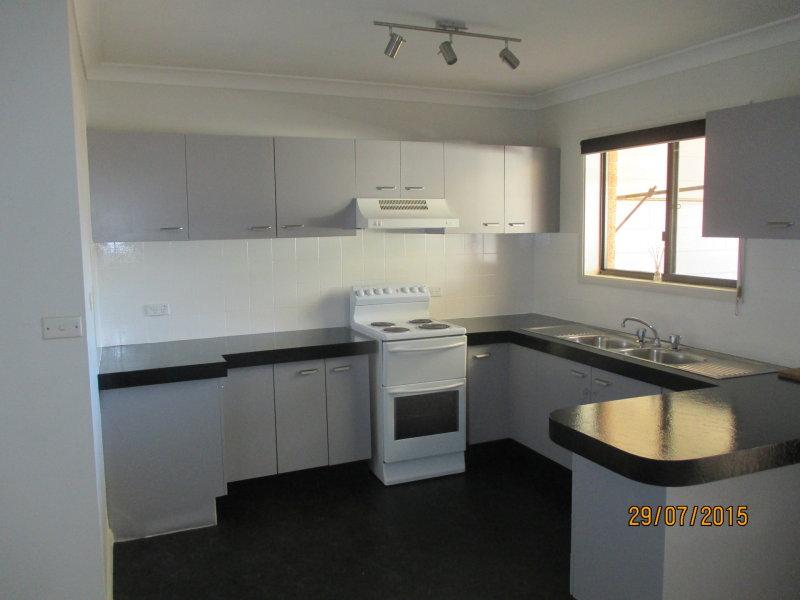 12/2 Cadonia Road, Tuggerawong, NSW 2259