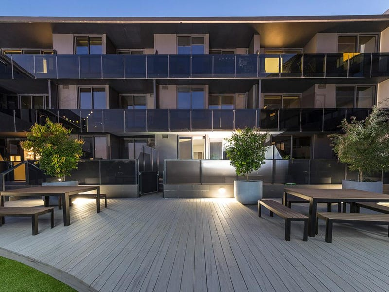 102/36 Collins Street, Essendon