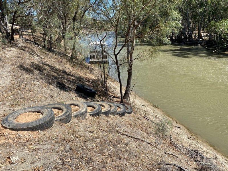 65 61 Swan Hill Road, Moulamein, NSW 2733