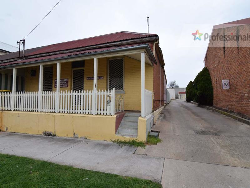 104 Russell Street, Bathurst, NSW 2795