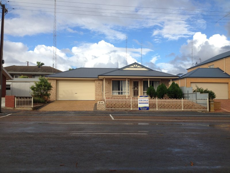 3 WEST TERRACE, Port Broughton, SA 5522