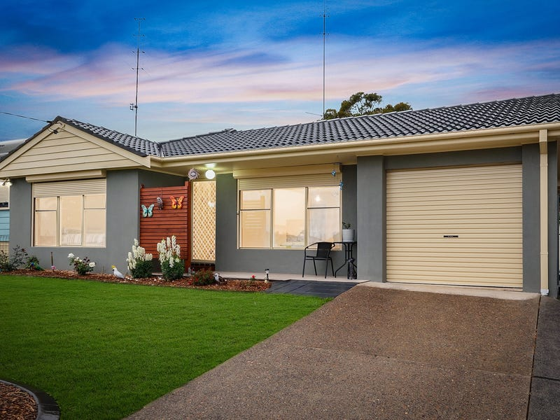 45 Campbell Parade, Mannering Park, NSW 2259