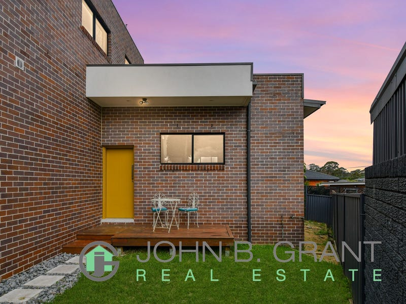 1/11a Josephine Crescent, Georges Hall, NSW 2198