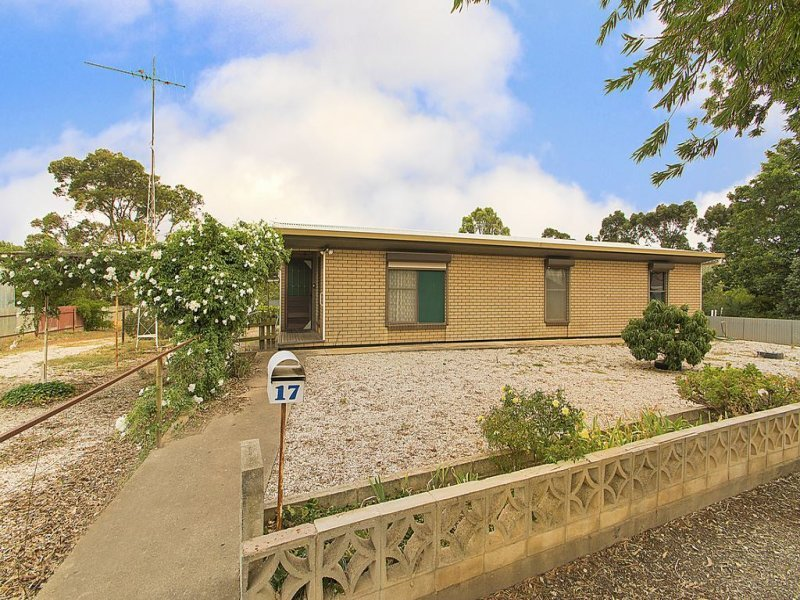 17 Charles Street, Saddleworth, SA 5413