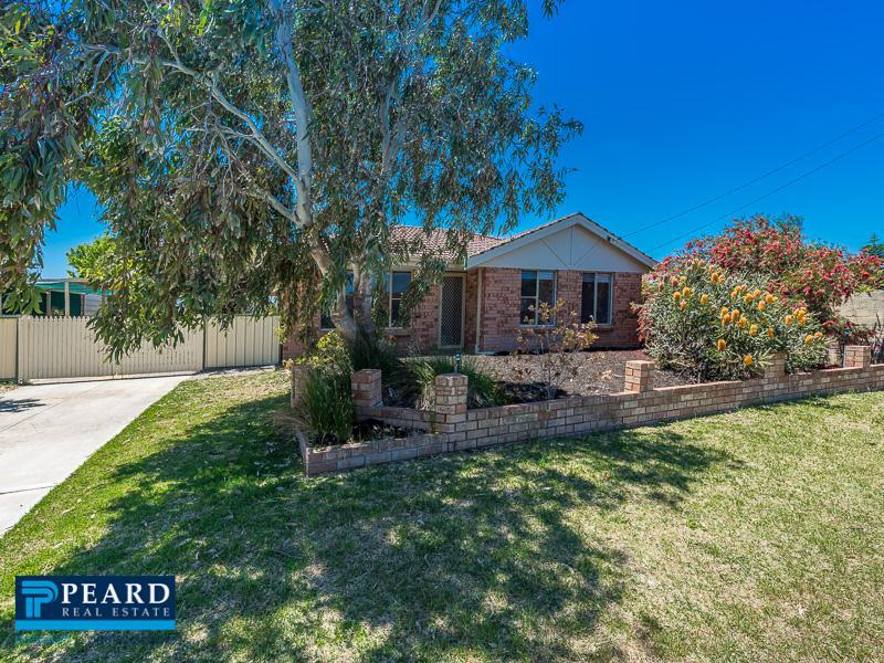 35 Fawkner Road, Two Rocks, WA 6037