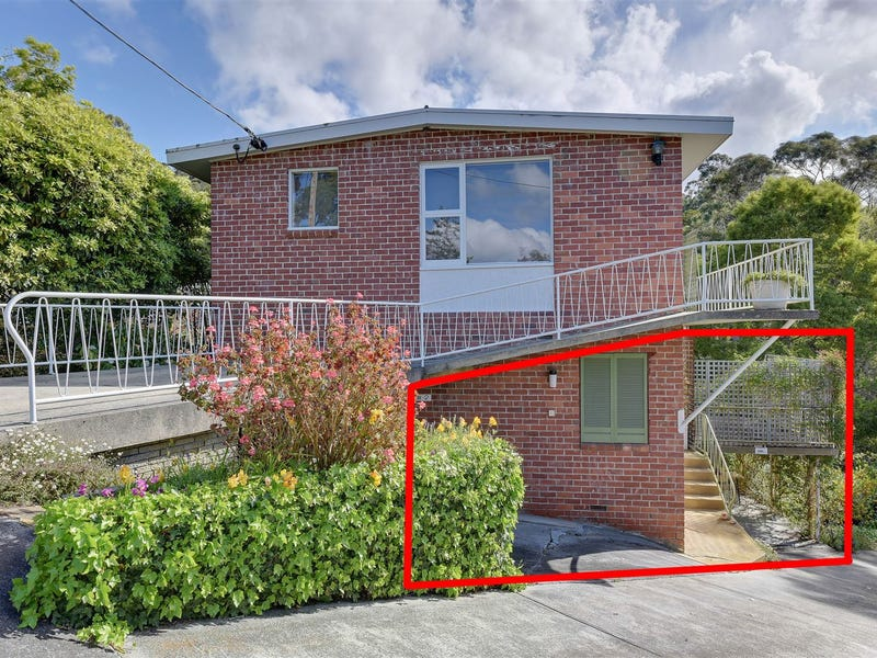 2/8 Woolton Place, Sandy Bay, Tas 7005