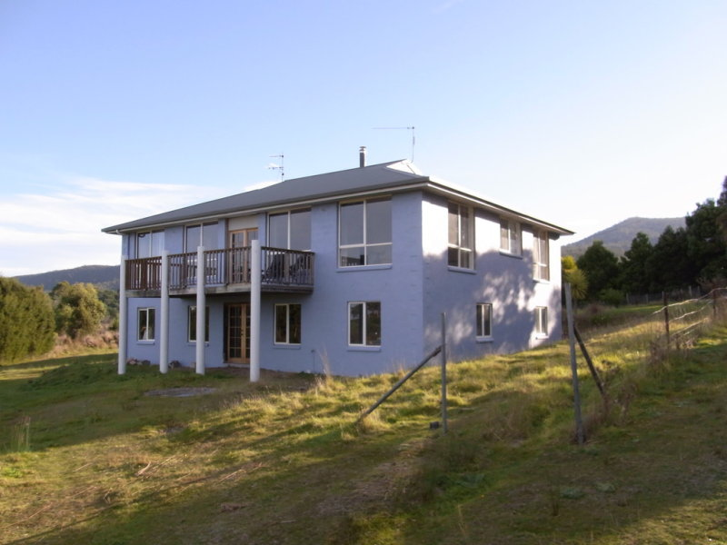 15 Deals Road, Bicheno, Tas 7215