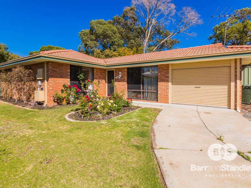 6 Mergate Court, Erskine