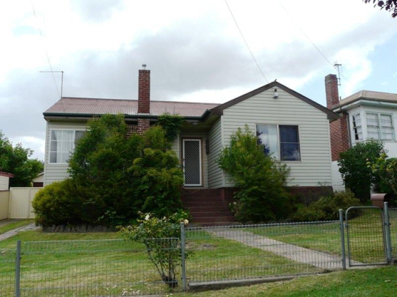 13 Tremain Avenue, Bathurst, NSW 2795