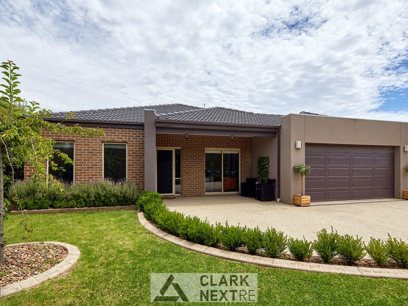 15 Norman Road, Drouin, Vic 3818