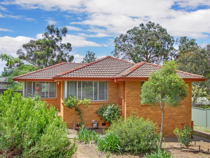 4 Oakes Street, Cook, ACT 2614