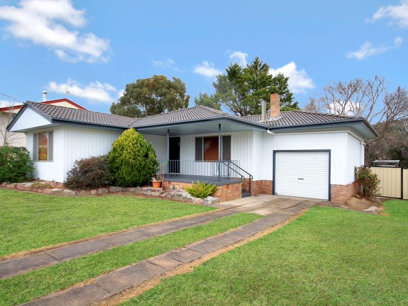 78 Logan Street, Tenterfield, NSW 2372