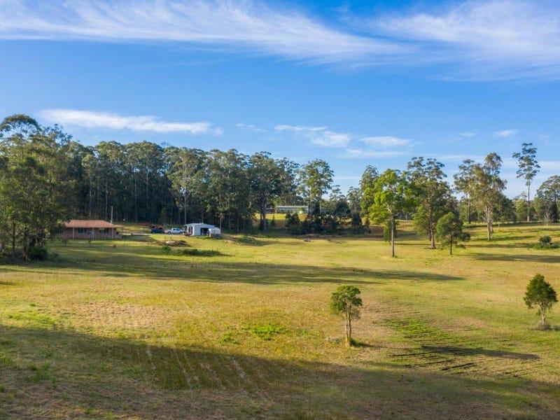 61 Apanie Rd, Lake Innes, NSW 2446