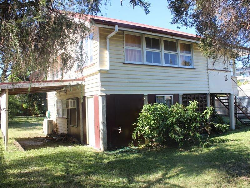 4 Smith Street, West Mackay, Qld 4740