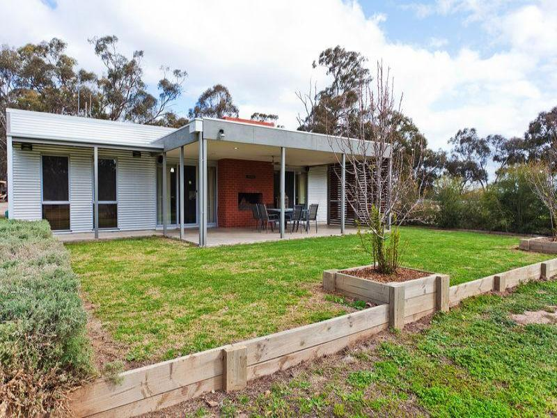 498 Three Chain Road, Sebastian, Vic 3556
