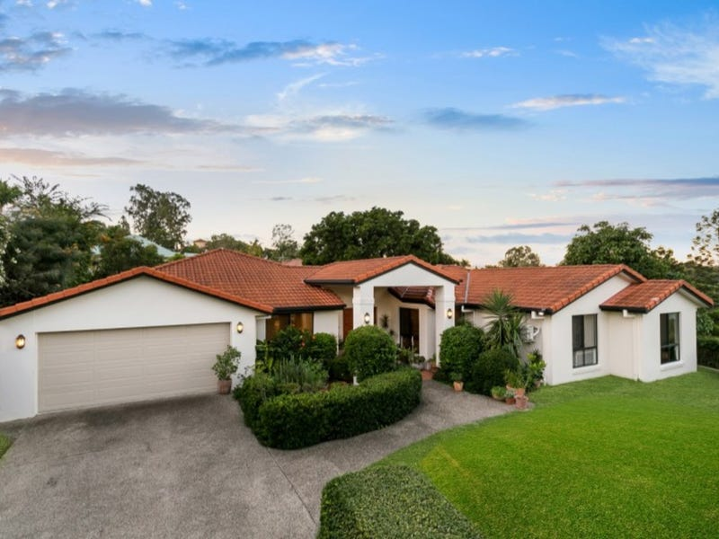 1 Earle Court, Brookfield, Qld 4069