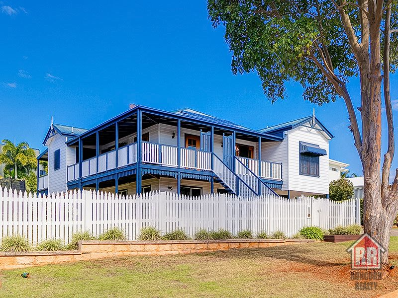 10 Waterfront Place, Redland Bay, Qld 4165