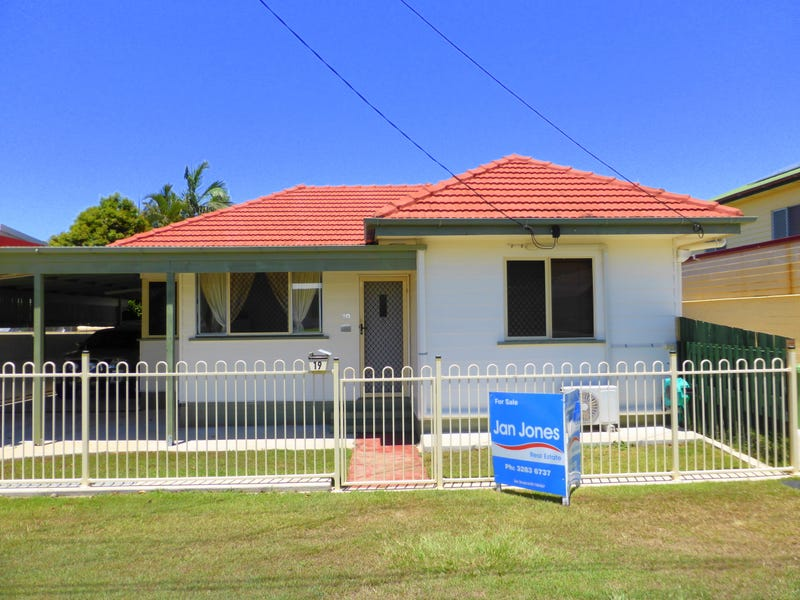 19 Silvester St, Redcliffe