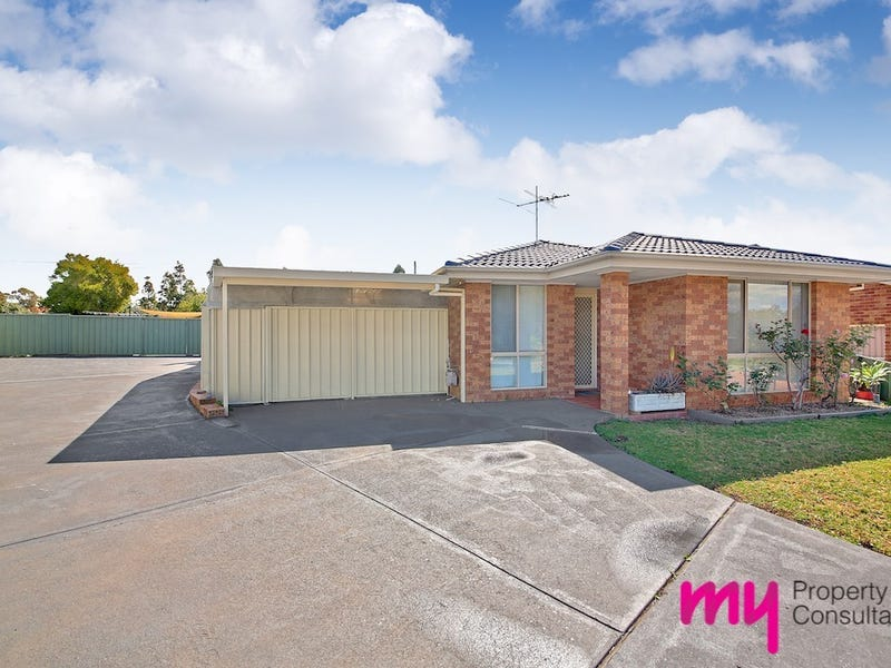 15 Collier Close, St Helens Park, NSW 2560