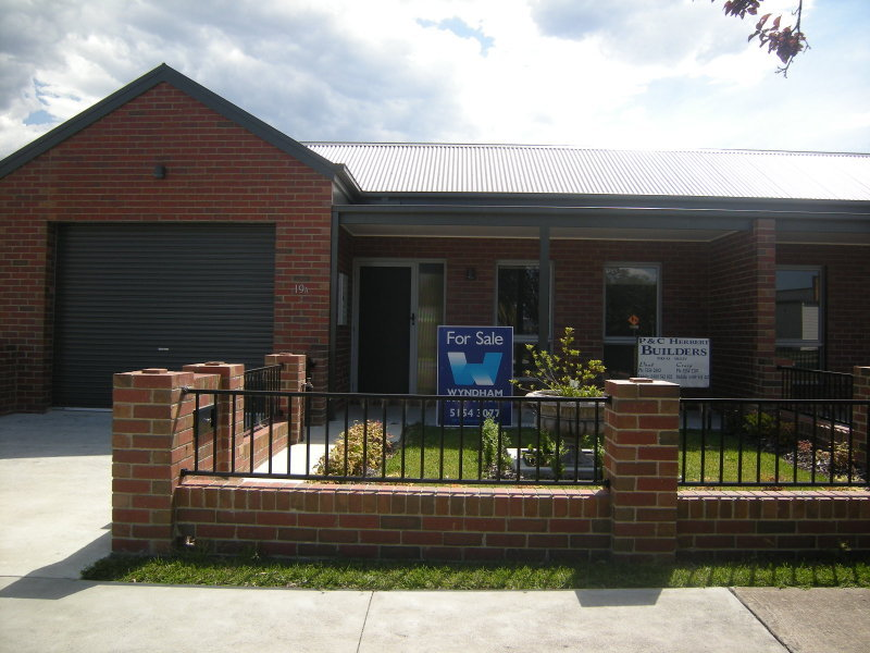 19 A and 19 B BROWNING STREET, Orbost, Vic 3888