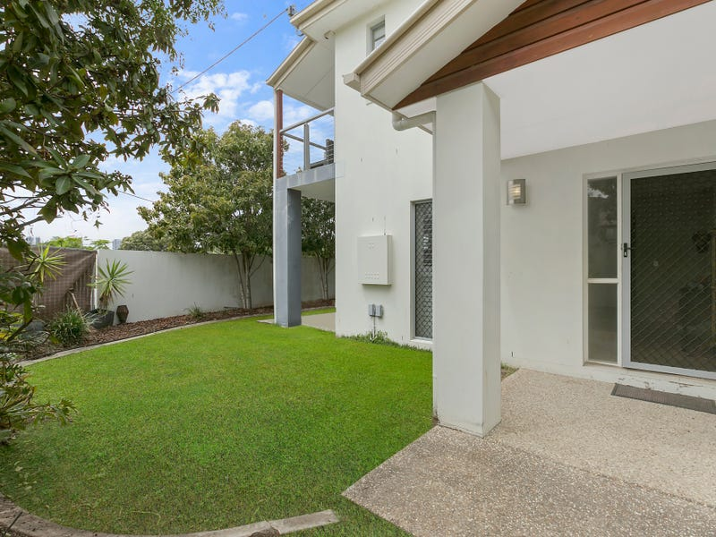 2/2 The Glen, Southport, Qld 4215
