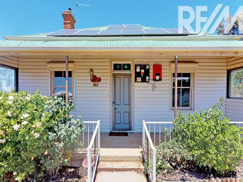 38 Thomas Street, Junee, NSW 2663