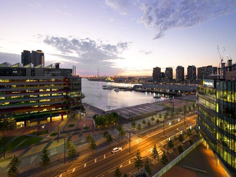1209/100 Harbour Esplanade, Docklands, Vic 3008