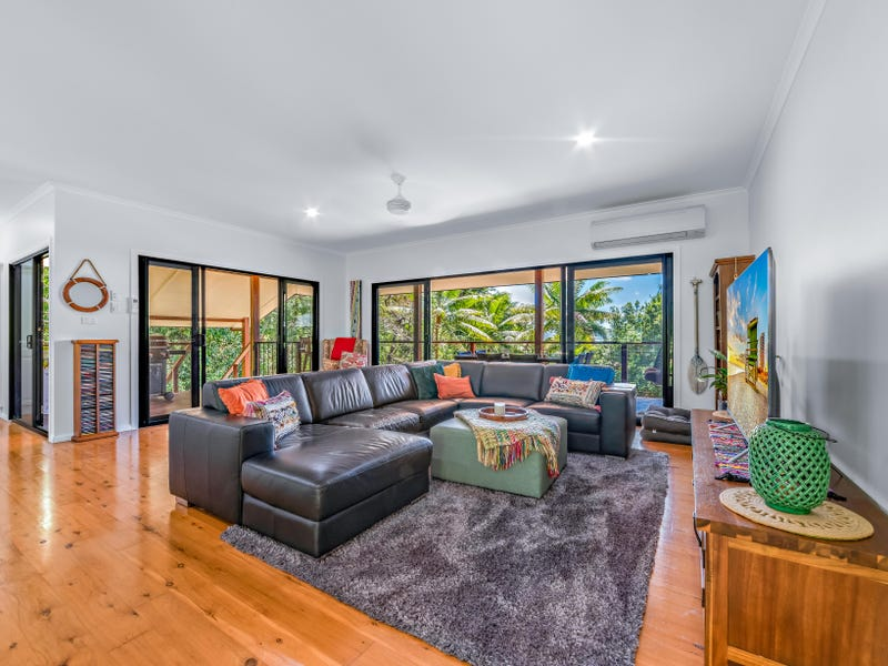 45 Tropic Road, Cannonvale, Qld 4802