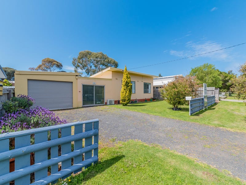61 McHaffie Drive, Cowes, Vic 3922