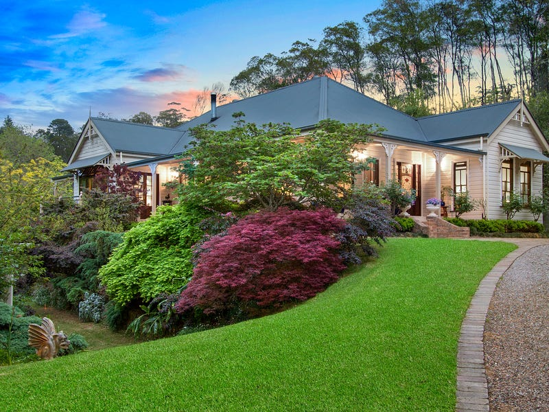 11 Pecks Road, Kurrajong Heights, NSW 2758