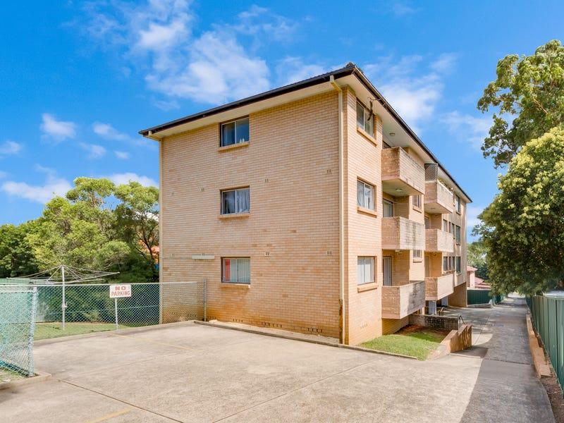 2/28 Moore Street, Campbelltown, NSW 2560