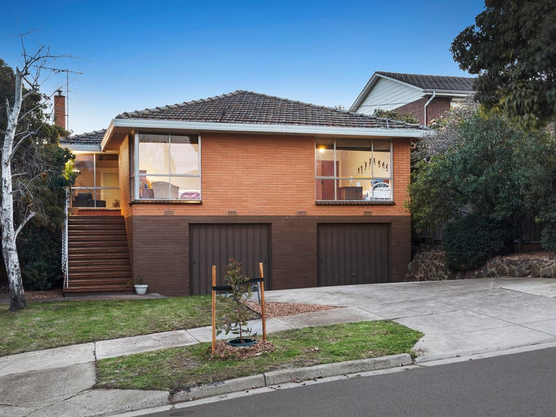 7 Caravelle Crescent, Strathmore Heights, Vic 3041