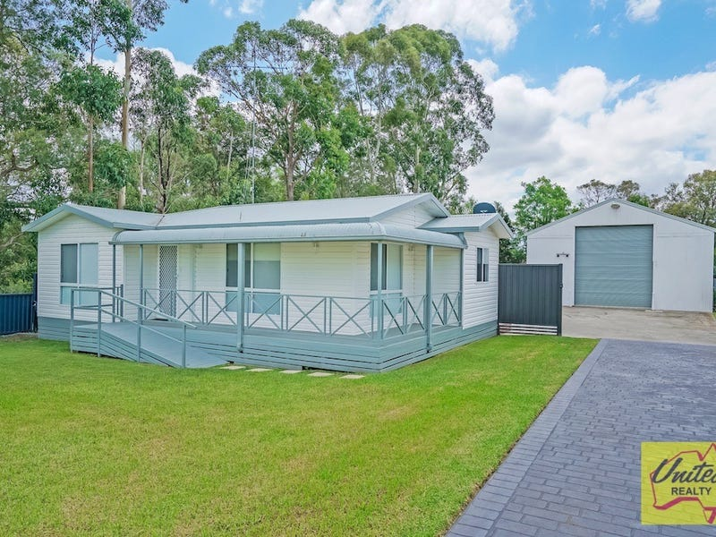 25 McIntosh Street, The Oaks, NSW 2570