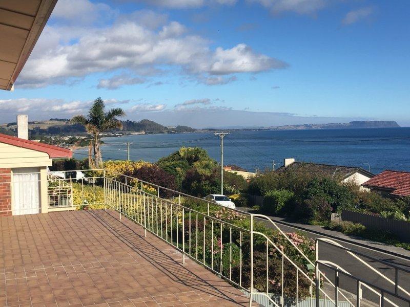 14 Alma Place, Ocean Vista, Tas 7320