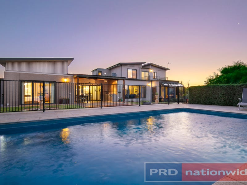 27 Gracefield Drive, Brown Hill, Vic 3350