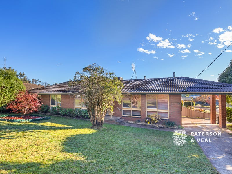 3 White Hills Road, Creswick, Vic 3363