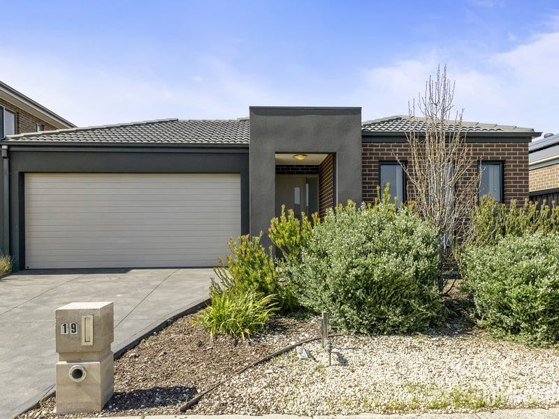 19 Seacoast Street, Point Cook, Vic 3030